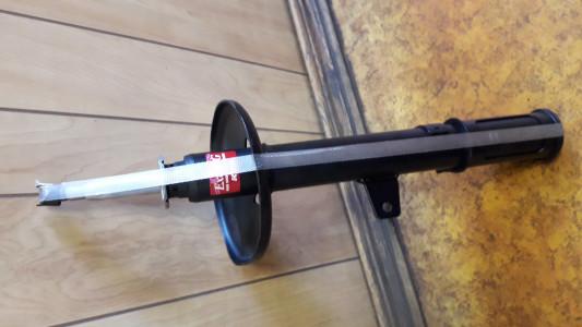 Задний правый амортизатор для Лексус RX 300 2001г